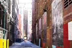 Gasse in im Stadtzentrum gelegenem Denver lizenzfreie stockbilder