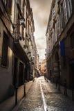 Gasse in Toulouse stockbilder
