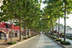 Gassenstraße mit Shops in Rovinj Stockfotografie