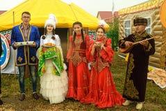 Gastfreundschaft auf kultureller Plattform von kasachischen Leuten Stockfotografie