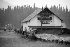 Gasthaus in den Bergen Stockbild