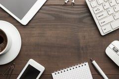 Gastos indirectos de la tabla de la oficina con el espacio de la copia Imagen de archivo