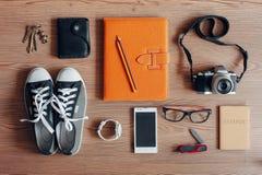 Gastos indirectos del esencial para la persona joven moderna Imagen de archivo libre de regalías