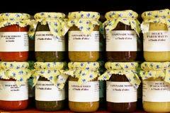 Gastrónomos mediterráneos en tarros Foto de archivo libre de regalías