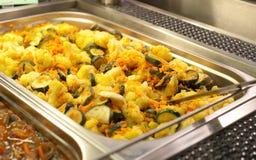gastronomical förberedda grönsaker för behållare Royaltyfri Bild