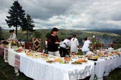 Gastronomiczna festiwalu Hutsul grula w wiosce Lazeshchyna Zdjęcia Stock