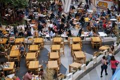 Gastronomiebereich in einem Mall Stockfoto