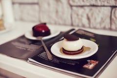 Gastronomisch chocoladedessert in een restaurant, koffie Het koken, een boek van desserts, snoepjes royalty-vrije stock foto