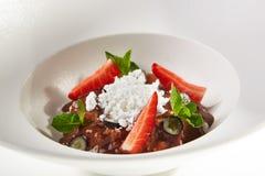 Gastronomisch Dessert met Roomijs stock foto