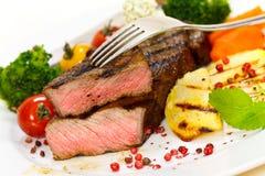 Gastronomisch Lapje vlees met Broccoli, de Tomaat van de Kers stock foto
