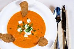 Gastronomisch Smakelijk die Voedsel op de Lijst wordt gediend stock afbeeldingen