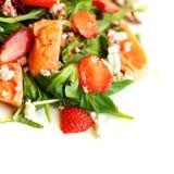 Gastronomisch voedsel, salade met zalm Stock Foto's