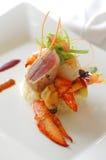 Gastronomisch voorgerecht met zeekreeft en mossel Royalty-vrije Stock Afbeeldingen