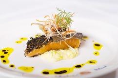 Gastronomisch Zalmdiner Royalty-vrije Stock Afbeeldingen
