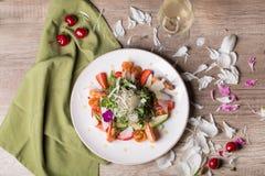 Gastronomische salade met wijn Royalty-vrije Stock Foto
