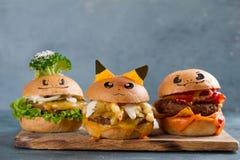 Gastronomische smakelijke pokemonburgers royalty-vrije stock fotografie