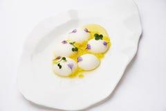 gastronomy cząsteczkowy Serowa sfera zdjęcie royalty free