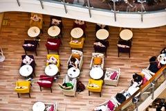 Gaststätte innerhalb der zentralen Welt in Bangkok Stockfotografie