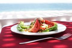 Gaststätte mit Seeansicht Stockfotos