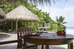 Gaststätte nahe dem Ozean Stockfoto