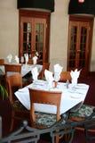 Gaststätte-Tabellen lizenzfreie stockfotos