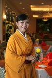 Gaststättestab im Kimono Stockfotografie