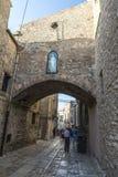 Gata av den gamla staden av Erice, Sicilien, Italien Arkivbild
