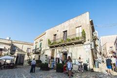 Gata av den gamla staden i Erice, Sicilien, Italien Royaltyfri Bild