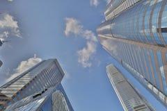 gata av för glass den låga vinkeln skyskrapabyggnader för highrise Royaltyfria Foton