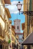 Gata av Florence, Tuscany, Italien royaltyfri bild