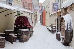 Gata av gammala Riga i snowdag Fotografering för Bildbyråer
