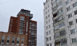 Gata byggnad, arkitektur, hus, stad, fönster, Europa, stad som är stads-, hus, fönster, Italien, byggnader, lopp, vinter, facad Fotografering för Bildbyråer