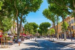 Gata Cours Mirabeau i Aix-en-provence Arkivfoton
