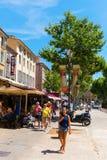 Gata Cours Mirabeau i Aix-en-provence, Frankrike Arkivfoton