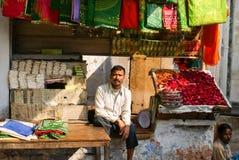 gata för india marknadssäljare Royaltyfri Foto
