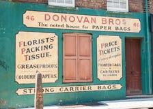 Gata för vapen för Signwritten vägg 46, Spitalfields, London Arkivfoton