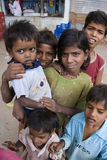 gata för barnindia poor Arkivfoton