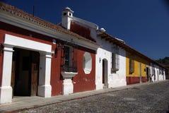 Gata i Antigua, Guatemala fotografering för bildbyråer