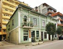 Gata i den Pogradec staden albacoren arkivfoton