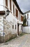 Gata i den Pogradec staden albacoren royaltyfria foton