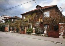 Gata i den Pogradec staden albacoren royaltyfri foto
