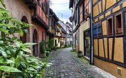 Gata i Eguisheim, Alsace, Frankrike arkivfoto