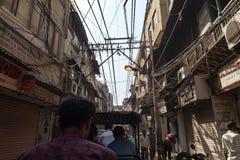 Gata i gamla Delhi Arkivfoton