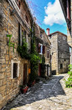Gata i gammal mediteranean stad Arkivfoto
