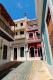 Gata i gammala San Juan, Puerto Rico Arkivbilder