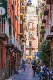 Gata i historisk mitt av den Naples staden, Italien Royaltyfria Foton