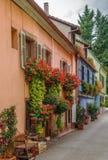 Gata i Kaysersberg, Alsace, Frankrike fotografering för bildbyråer