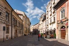 Gata i Krakow den gamla staden arkivbilder