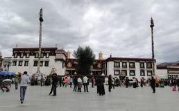 Gata i Lhasa, Tibet Arkivbild