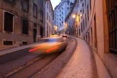 Gata i Lisbon, Portugal Royaltyfri Bild